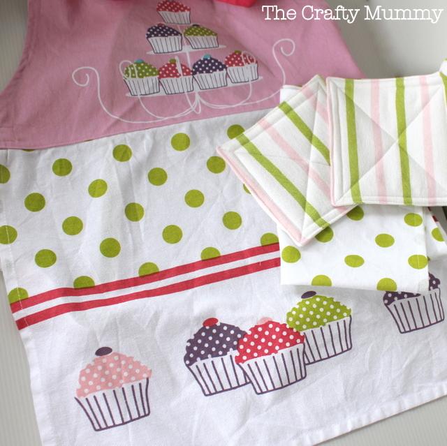 Kids Kitchen Set- The Crafty Mummy