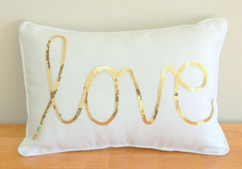 Gold-Sequined-Love-Cushion