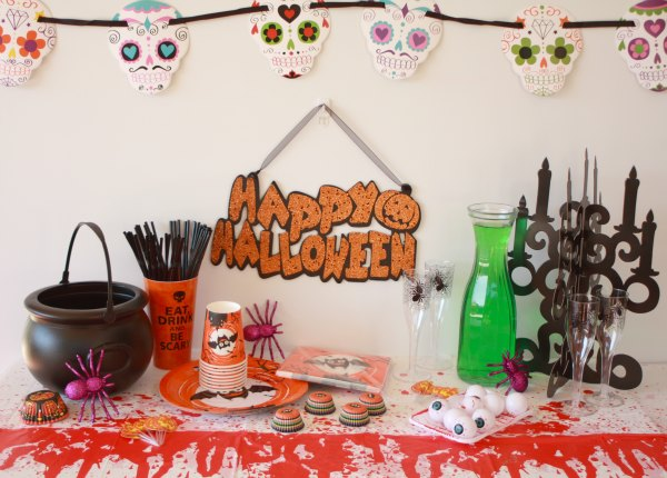 happy halloween party table decorations