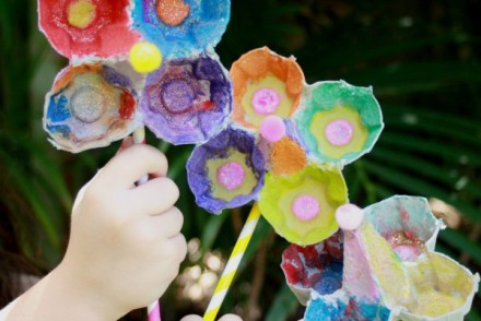 Kids craft Egg Carton Flowers