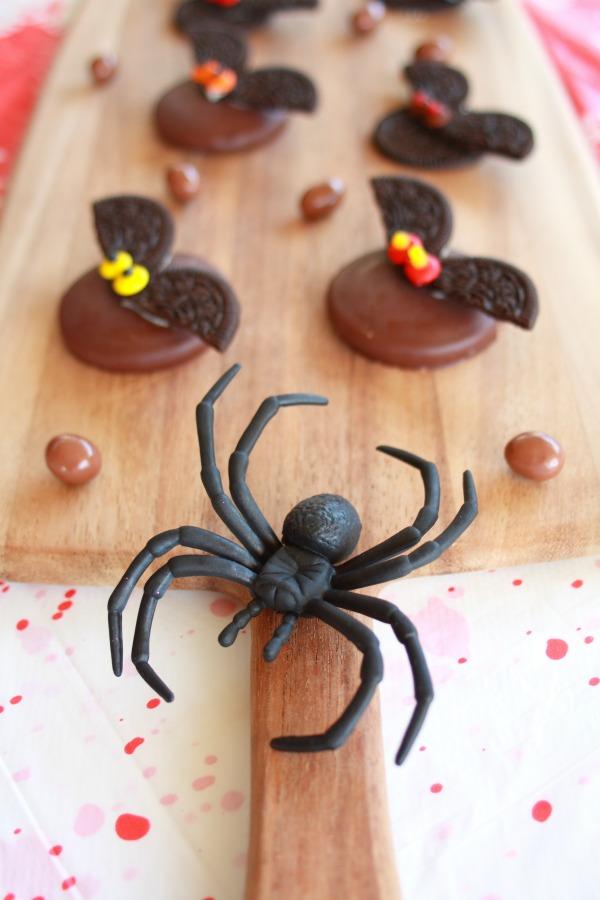 diy-chocolate-halloween-bats