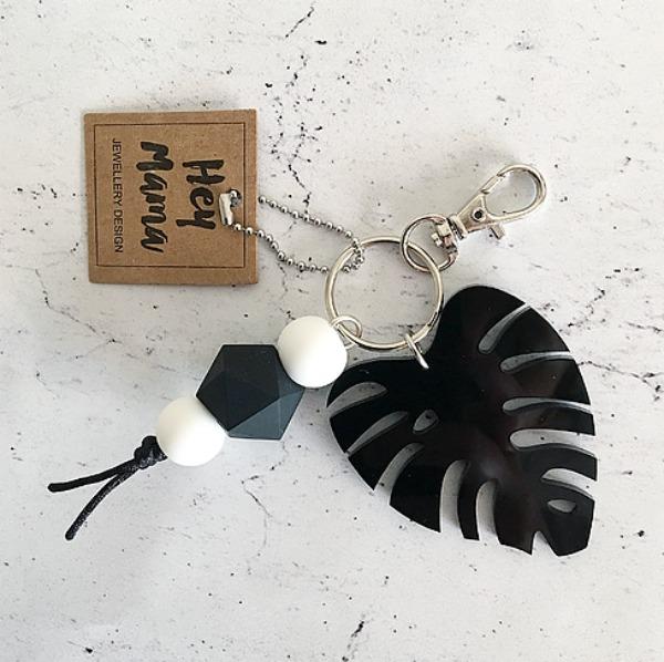 monstera-key-chain
